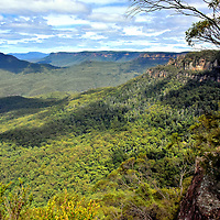 Gordon Falls Lookout in Leura in Blue Mountains, Australia<br />