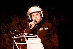 """40 Jahre Gorleben, das heißt auch 40 Jahre Bürgerinitiative Umweltschutz Lüchow-Dannenberg e.V. – am 2. März 1977 wurde die BI in das Vereinsregister eingetragen. <br /> Dies nahm die BI zum Anlass, am 25.03.2017 zur Jubiläumsfeier in die Trebelner Bauernstuben  einzuladen. Im Bild: Lennart Müller, Mitglied des Ensembles """"Freie Bühne Wendland""""<br /> <br /> Ort: Trebel<br /> Copyright: Michaela Mügge<br /> Quelle: PubliXviewinG"""