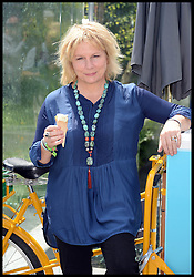 Jennifer Saunders at the VIP preview day at the Chelsea Flower Show. London, United Kingdom. Monday, 19th May 2014. Picture by Andrew Parsons / i-Images