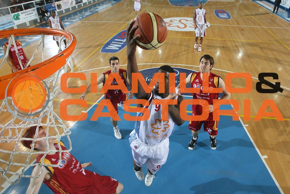 DESCRIZIONE : Rieti Lega A1 2007-08 Solsonica Rieti Lottomatica Virtus Roma <br /> GIOCATORE : Steven Smith <br /> SQUADRA : Solsonica Rieti <br /> EVENTO : Campionato Lega A1 2007-2008 <br /> GARA : Solsonica Rieti Lottomatica Virtus Roma <br /> DATA : 24/02/2008 <br /> CATEGORIA : Tiro Special Super <br /> SPORT : Pallacanestro <br /> AUTORE : Agenzia Ciamillo-Castoria/G.Ciamillo <br /> GALLERIA : Lega Basket A1 2007-2008 <br /> FOTONOTIZIA : Rieti Campionato Italiano Lega A1 2007-2008 Solsonica Rieti Lottomatica Virtus Roma<br /> PREDEFINITA : si