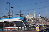 Turkey. Istambul. Tramway and urban life on Galata bridge/ sur le pont de Galata