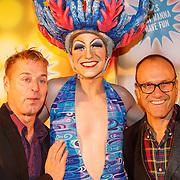 NLD/Amsterdam20151111 - Premiere Priscilla, Queen of the Desert, Tony neef en partner Benny Mizrahi