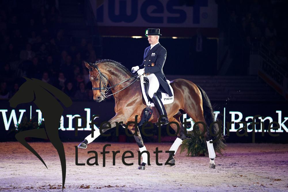 Schmidt, Hubertus (GER) Imperio TSF<br /> Stuttgart - German Masters 2016<br /> © www.sportfotos-lafrentz.de