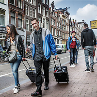 Nederland, Amsterdam, 26 mei 2016.<br /> Toerisme in de Haarlemmerstraat.<br /> <br /> Tourists on the Haarlemerstraat, Amsterdam. <br /> <br /> Foto: Jean-Pierre Jans