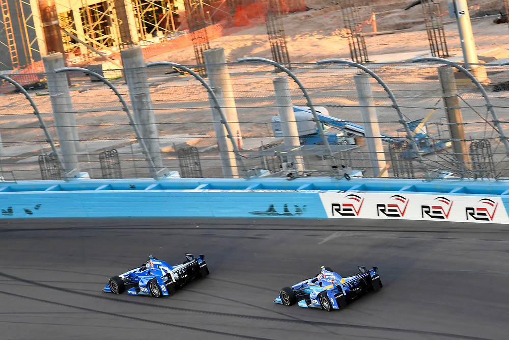 Verizon IndyCar Series<br /> Desert Diamond West Valley Phoenix Grand Prix<br /> Phoenix Raceway, Avondale, AZ USA<br /> Saturday 29 April 2017<br /> Tony Kanaan, Chip Ganassi Racing Teams Honda, Scott Dixon, Chip Ganassi Racing Teams Honda<br /> World Copyright: Scott R LePage<br /> LAT Images<br /> ref: Digital Image lepage-170429-phx-3239