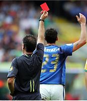 Schiedsrichter Luis Medina Cantalejo Spanien zeigt Marco Materazzi die  Rote Karte  rødt kort<br /> Fussball WM 2006 Achtelfinale Italien - Australien<br /> Italia - Australia<br /> Norway only