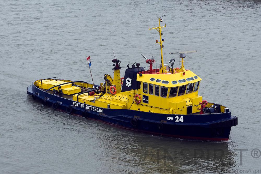 ROTTERDAM - NETHERLAND - 21 FEBRUARY 2008 -- Port of Rotterdam -- A tug in the Rotterdam harbour.  Photo: Erik Luntang/INSPIRIT Photo