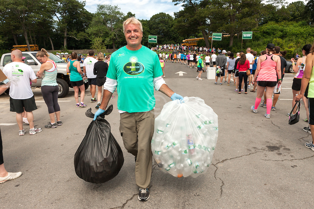 Beach to Beacon 10K road race: the green team, recycling