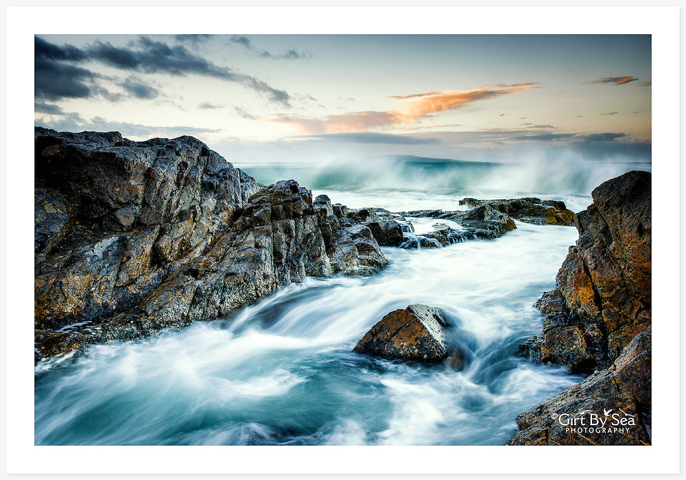 Granite rocks of Horseshoe Bay, South West Rocks, at twilight [South West Rocks, NSW]<br />