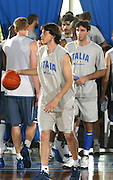 PORTO SAN GIORGIO<br /> GIUGNO 2003<br /> ALLENAMENTI NAZIONALE ITALIANA<br /> NELLA FOTO: MARCO MORDENTE<br /> FOTO CIAMILLO
