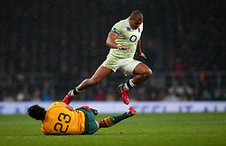 Jonathan Joseph of England jumps over Karmichael Hunt of Australia - Mandatory by-line: Robbie Stephenson/JMP - 18/11/2017 - RUGBY - Twickenham Stadium - London, England - England v Australia - Old Mutual Wealth Series