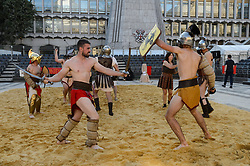 © Licensed to London News Pictures. 25/08/2017. London, UK. Gladiators fight it out in an epic battle of swords and shields as part of Londinium, a season of events hosted by the City of London Corporation. The Galdiator Games, staged by the Museum of London, run until Monday. Photo credit: Ray Tang/LNP