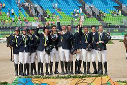 Team Deutschland, Team Frankreich, Team Australien<br /> Rio de Janeiro - Olympische Spiele 2016<br /> Siegerehrung Vielseitigkeit Mannschaftsentscheidung<br /> © www.sportfotos-lafrentz.de/Stefan Lafrentz