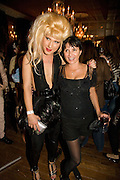JODIE HARSH; SADIE FROST, The Town That Boars Me launch. Beach Blanket Babylon. Ledbury Rd. London. 27 August 2008 *** Local Caption *** -DO NOT ARCHIVE-© Copyright Photograph by Dafydd Jones. 248 Clapham Rd. London SW9 0PZ. Tel 0207 820 0771. www.dafjones.com.