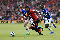 Jordon Ibe of Bournemouth under pressure - Mandatory by-line: Jason Brown/JMP - 24/09/2016 - FOOTBALL - Vitality Stadium - Bournemouth, England - AFC Bournemouth v Everton - Premier League