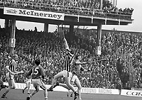 974-11<br /> Kilkenny v Limerick All-Ireland Hurling Final at Croke Park.<br /> (Part of the Independent Newspapers Ireland/NLI collection.)