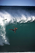 surfing Hawaii pipe-line,surf photography, pipe-line,Hawaii,sports,action,wave water-shot,surf photography,surf photographer, ,Hawaii,surfing,sports,action,surf  ,surf action,surfer  ,waves,photographie de surf,photographe de surf