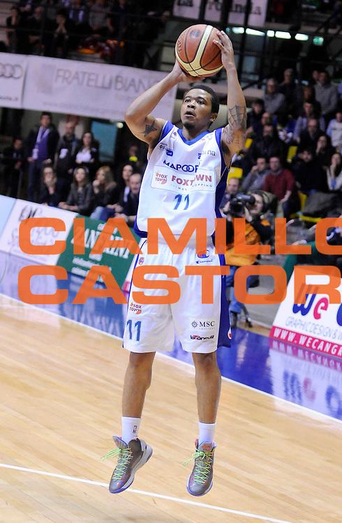 DESCRIZIONE : Desio Lega A 2012-13 Pallacanestro Cantu' Cimberio Varese<br /> GIOCATORE : Kevin Anderson<br /> SQUADRA : Pallacanestro Cantu' <br /> EVENTO : Campionato Lega A 2012-2013<br /> GARA :  Pallacanestro Cantu' Cimberio Varese<br /> DATA : 24/02/2013<br /> CATEGORIA : Tiro<br /> SPORT : Pallacanestro<br /> AUTORE : Agenzia Ciamillo-Castoria/A.Giberti<br /> Galleria : Lega Basket A 2012-2013<br /> Fotonotizia : Desio Lega A 2012-13 Pallacanestro Cantu' Cimberio Varese<br /> Predefinita :
