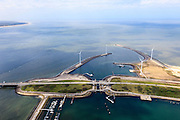 Nederland, Zeeland, Oosterschelde, 09-05-2013; Oosterschelde Stormvloedkering tussen Schouwen en Noord-Beveland. Neeltje Jans met Roompotsluis, Buitenhaven met strekdam..Storm surge barrier in Oosterschelde, work island Neeltje Jans with shipping lock..luchtfoto (toeslag op standard tarieven).aerial photo (additional fee required).copyright foto/photo Siebe Swart