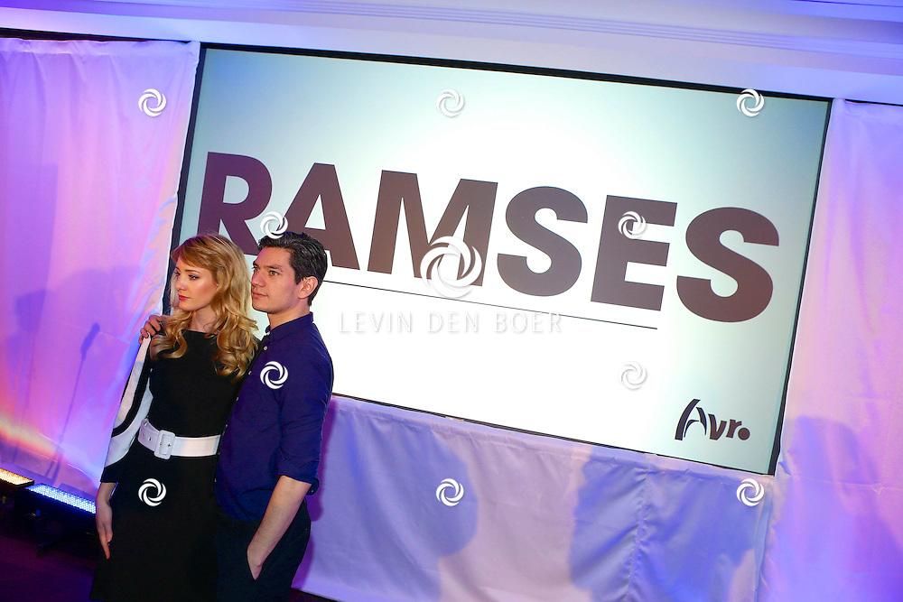 AMSTERDAM - In het DeLaMar theater hield de Avro de perspresentatie van Ramses de tv serie. Met hier op de foto  Maarten Heijmans en Noortje Herlaar. FOTO LEVIN DEN BOER - PERSFOTO.NU
