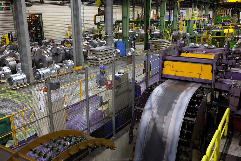société bamesa port de bonneuil - découpe des rouleaux d'acier