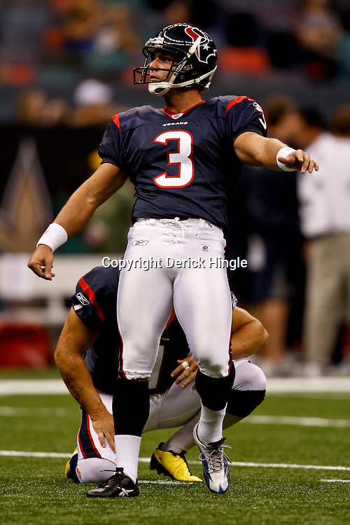 August 21, 2010; New Orleans, LA, USA;Houston Texans place kicker Kris Brown (3) during warm ups prior to kickoff of a preseason game against the New Orleans Saints  at the Louisiana Superdome. Mandatory Credit: Derick E. Hingle