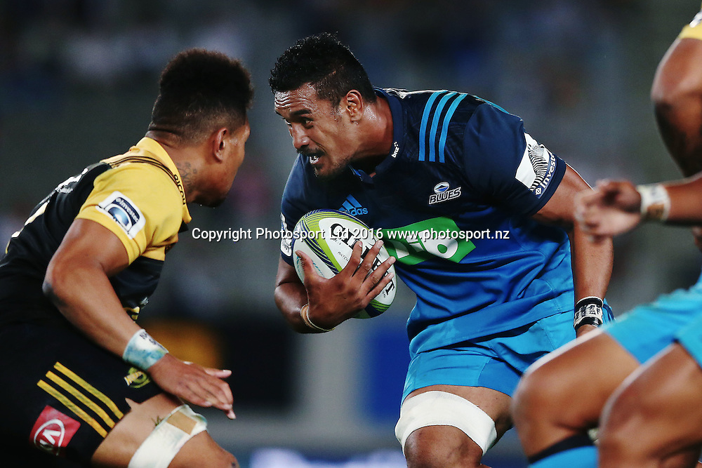 Jerome Kaino of the Blues on the charge. Super Rugby match, Blues v Hurricanes at Eden Park, Auckland, New Zealand. 11 March 2016. Photo: Anthony Au-Yeung / www.photosport.nz