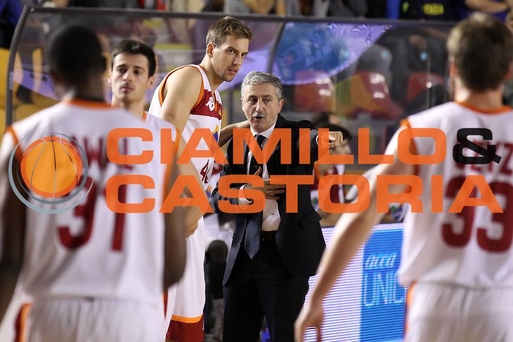 DESCRIZIONE : Roma Lega A 2012-13 Acea Virtus Roma Juve Caserta<br /> GIOCATORE : Marco Calvani Peter Lorant<br /> CATEGORIA : coach <br /> SQUADRA : Acea Virtus Roma<br /> EVENTO : Campionato Lega A 2012-2013 <br /> GARA : Acea Virtus Roma Juve Caserta<br /> DATA : 28/10/2012<br /> SPORT : Pallacanestro <br /> AUTORE : Agenzia Ciamillo-Castoria/ElioCastoria<br /> Galleria : Lega Basket A 2012-2013  <br /> Fotonotizia : Roma Lega A 2012-13 Acea Virtus Roma Juve Caserta<br /> Predefinita :