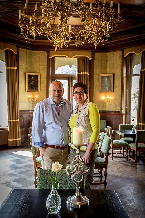 Leek 20140808. Nieuwe exploitanten Annette en Hendrik Nomden van het restaurant/Grand Cafe in Borg Nienoord. foto: Pepijn van den Broeke. kilometers: 22