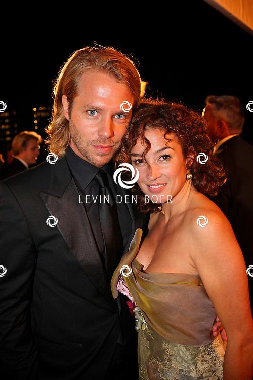 AMSTERDAM - In theater Carre is de Gouden Televizier Ring gala weer geweest.  Met op de foto Thijs Romer en partner Katja Schuurman. FOTO LEVIN DEN BOER - PERSFOTO.NU