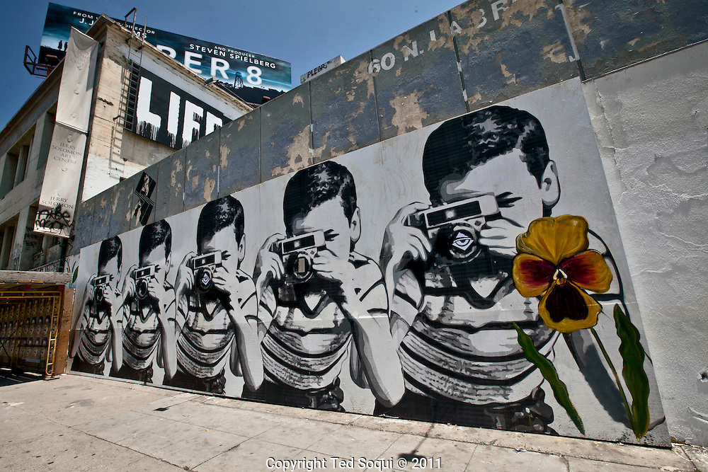 Street art in los angeles ted soqui photography for Mural mr brainwash