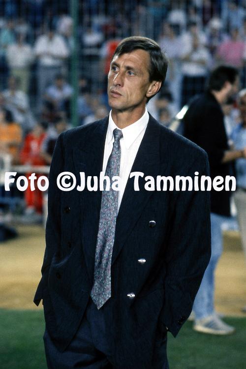 10.5.1989, Wankdorf Stadion, Bern, Switzerland. <br /> European Cup Winners Cup FInal.<br /> FC Barcelona v Sampdoria.<br /> Coach Johan Cruyff - Barcelona