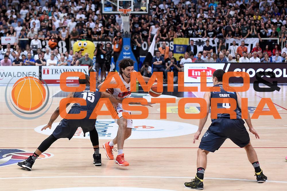 Joao Gomes, Ariel Filloy<br /> Dolomiti Energia Aquila Basket Trento - Umana Reyer Venezia<br /> Lega Basket Serie A 2016/2017<br /> Playoff, finale gara 4<br /> Trento, 16/06/2017<br /> Foto M.Ceretti / Ciamillo-Castoria