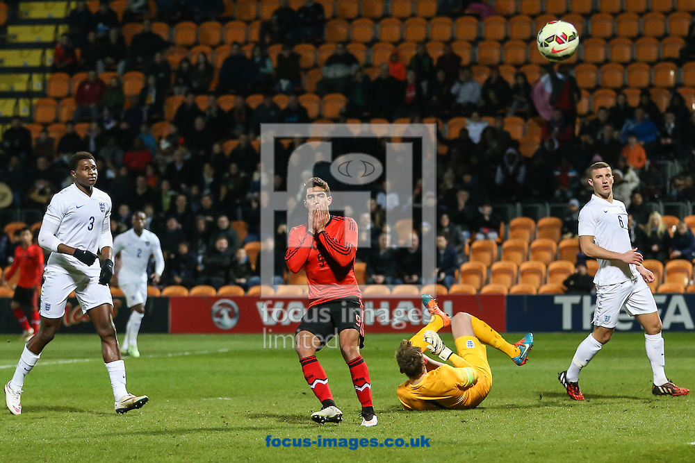 Daniel Armando Rios Calderon of Mexico U20 (3rd right) shows his dissapointment after his shot is saved by Christian Walton of England U20 (2nd right) during the International Friendly match at The Hive Stadium, Harrow<br /> Picture by David Horn/Focus Images Ltd +44 7545 970036<br /> 25/03/2015