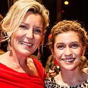NLD/Amsterdam/20160311 - Inloop Boekenbal 2016, Saskia Noort en dochter