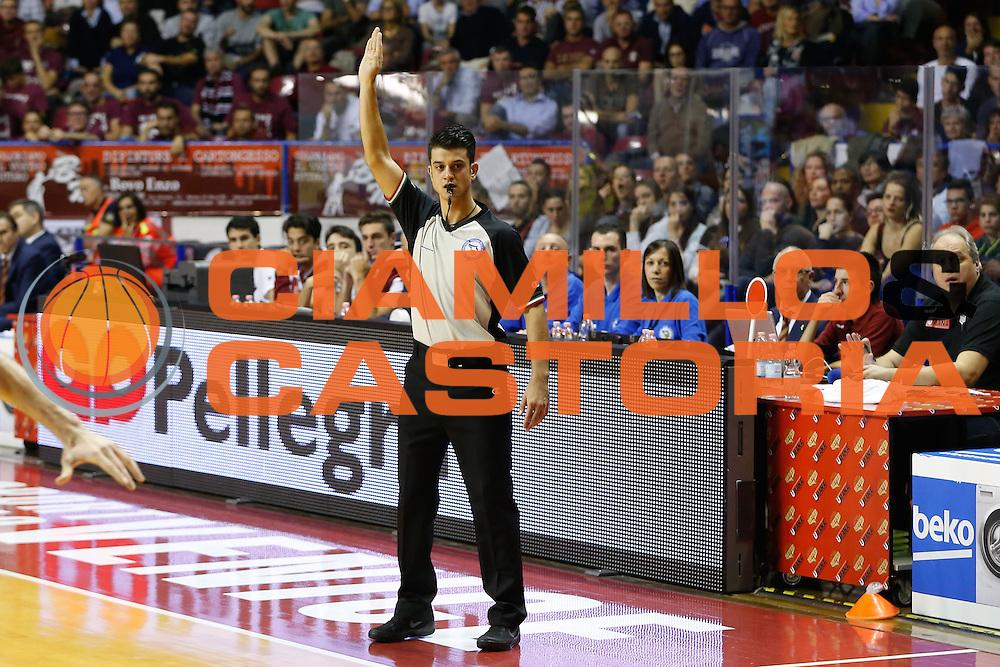 DESCRIZIONE : Venezia Lega A 2015-16 Umana Reyer Venezia - Vanoli Cremona<br /> GIOCATORE : Valerio Grigioni <br /> CATEGORIA : Ritratto Arbitro Referee<br /> SQUADRA : Umana Reyer Venezia - Vanoli Cremona<br /> EVENTO : Campionato Lega A 2015-2016<br /> GARA : Umana Reyer Venezia - Vanoli Cremona<br /> DATA : 25/10/2015<br /> SPORT : Pallacanestro <br /> AUTORE : Agenzia Ciamillo-Castoria/G. Contessa<br /> Galleria : Lega Basket A 2015-2016 <br /> Fotonotizia : Venezia Lega A 2015-16 Umana Reyer Venezia - Vanoli Cremona