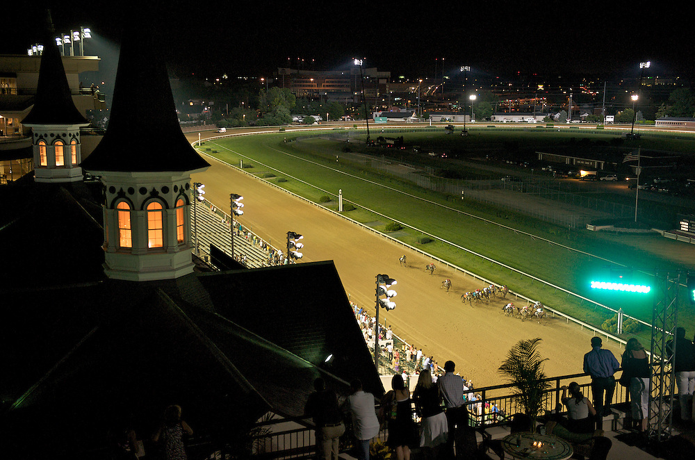 19 June 2009 : Fans enjoy Night Racing at Churchill Downs in Louisville, Kentucky