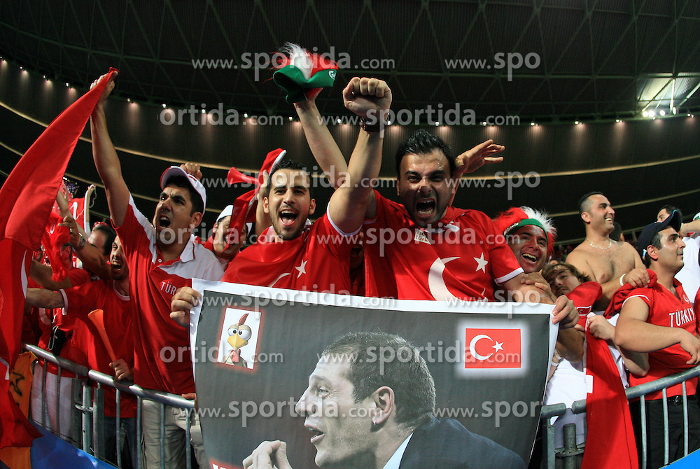 Fans of Turkey celebrate victory agains head coach of Croatia Slaven Bilic after the UEFA EURO 2008 Quarter-Final soccer match between Croatia and Turkey at Ernst-Happel Stadium, on June 20,2008, in Wien, Austria.  Won of Turkey after penalty shots. (Photo by Vid Ponikvar / Sportal Images)
