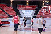 DESCRIZIONE : Kayseri Allenamento Qualificazioni Europei 2013 <br /> GIOCATORE : team<br /> CATEGORIA : allenamento <br /> SQUADRA : Italia<br /> EVENTO : Qualificazioni Europei 2013<br /> GARA : Allenamento  Italia <br /> DATA : 03/09/2012 <br /> SPORT : Pallacanestro <br /> AUTORE : Agenzia Ciamillo-Castoria/GiulioCiamillo<br /> Galleria : Fip Nazionali 2012 <br /> Fotonotizia :  Kayseri Allenamento Qualificazioni Europei 2013 <br /> Predefinita :