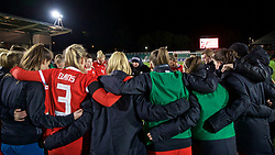 NEWPORT, WALES - Thursday, April 4, 2019: Wales manager Jayne Ludlow and players after an International Friendly match between Wales and Czech Republic at Rodney Parade. The game ended in a 0-0 draw. (Pic by David Rawcliffe/Propaganda)