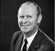 23/06/1972<br /> 06/23/1972<br /> 23 June 1972<br /> Eoin Dillon, Manager of the Gresham Hotel, Dublin.