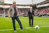 ALKMAAR - 10-09-2016, AZ - Willem II, AFAS Stadion, 2-0, Cor Stolzenbach van Willem II (r), Hugo Hovenkamp AZ., aftrap, 60 jaar betaald voetbal.