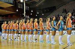 29-10-2011 VOLLEYBAL: NEDERLAND - BELGIE: ALMERE<br /> De eerste oefenwedstrijd als voorbereiding op het pre OKT wordt met 3-0 gewonnen van Belgie / Line up Nederland<br /> ©2011-WWW.FOTOHOOGENDOORN.NL