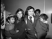 1981 - Vietnamese Refugees Arrive In Dublin.   (N66).