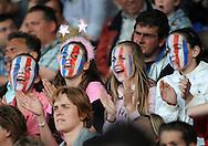 28-05-2009 Voetbal:Willem II:AZ:Tilburg<br /> Willem II supporters meiden in rood-wit-blauwe gezichten op de tribune in Tilburg<br /> Foto: Geert van Erven