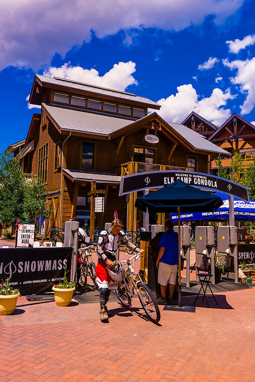 Mountain bikers, Snowmass Village (Aspen), Colorado USA.