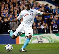 28.09.2010, Stamford Bridge, London, ENG, UEFA Champions League, Chelsea vs Olympique Marseille, im Bild Marseilles Souleymane Diawara in action against Chelsea. EXPA Pictures © 2010, PhotoCredit: EXPA/ IPS/ Mark Greenwood +++++ ATTENTION - OUT OF ENGLAND/UK +++++