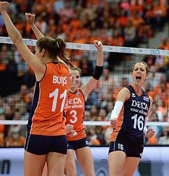 03-10-2015 NED: Volleyball European Championship Semi Final Nederland - Turkije, Rotterdam<br /> Nederland verslaat Turkije in de halve finale met ruime cijfers 3-0 / Debby Pilon-Stam #16