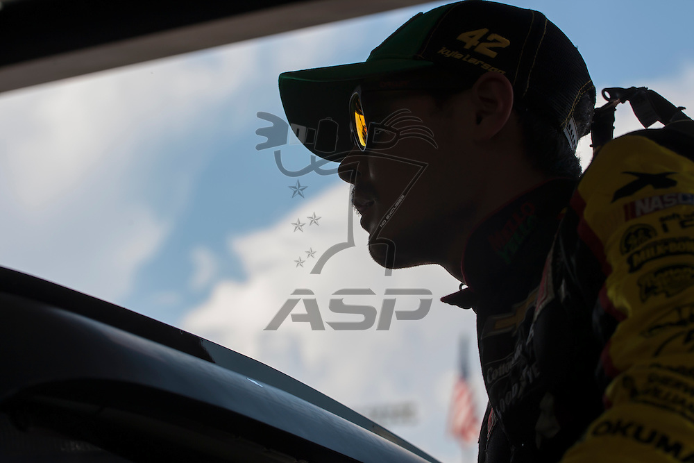 Darlington, SC - Sep 04, 2015:  The NASCAR Sprint Cup Series teams take to the track for the Bojangles' Southern 500 at Darlington Raceway in Darlington, SC.