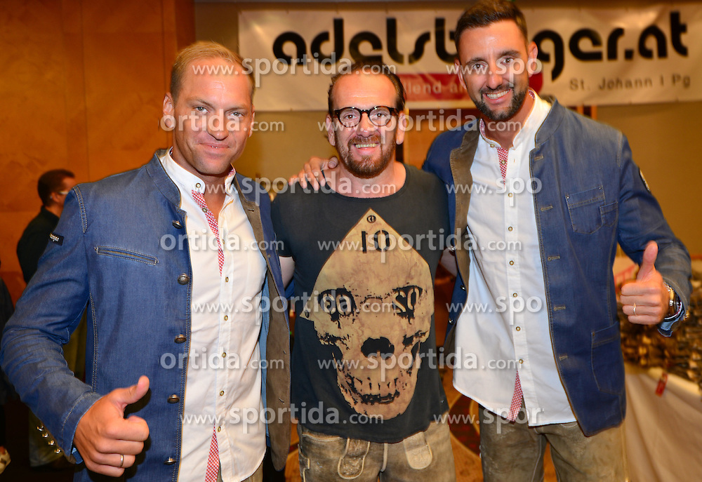 16.07.2016, Hotel Mariott, Wien, AUT, Olympia, Rio 2016, Einkleidung OeOC, im Bild Alexander Horst und Clemens Doppler mit Bernhard Adelsberger // during the outfitting of the Austrian National Olympic Committee for Rio 2016 at the Hotel Mariott in Wien, Austria on 2016/07/16. EXPA Pictures © 2016, PhotoCredit: EXPA/ Erich Spiess